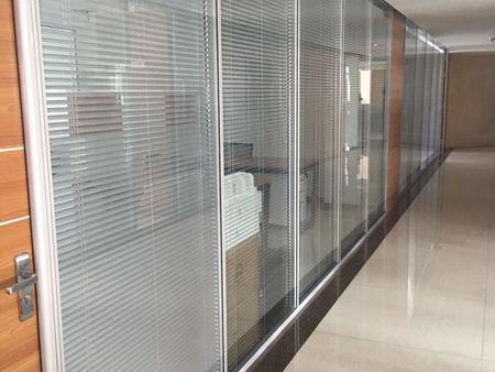 甘肃办公室玻璃隔断质量好不好怎么看?