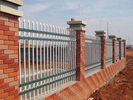 如何选购围墙护栏?