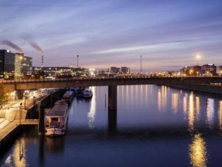 巴黎塞纳河畔伊天里美居