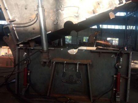 液压开箱(弊板可调)式破碎机