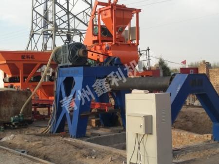 悬辊式水泥制管机