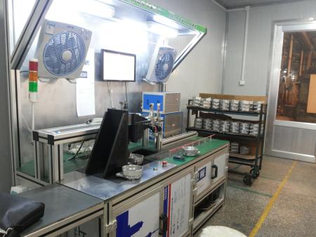 电机壳孔径及螺纹综合测量机