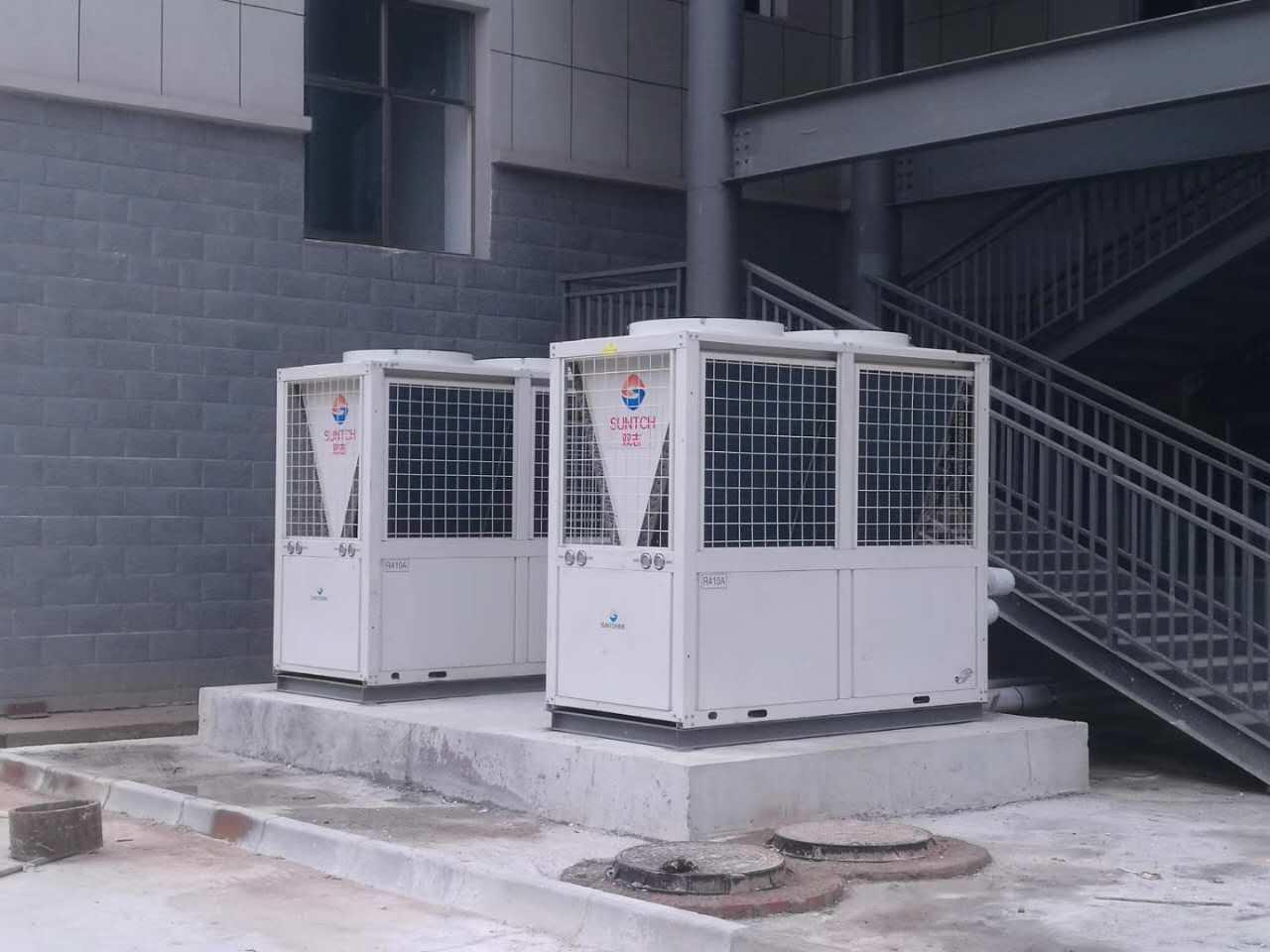 天水机电学院全直流变频空气源热泵3o吨热水系统竣工验收
