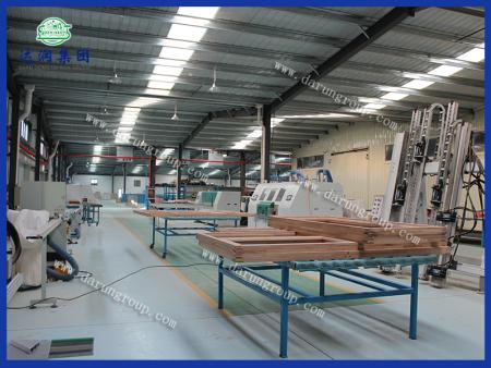 达润铝木复合窗生产设备