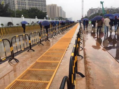 南宁地铁3号线施工护栏盖板