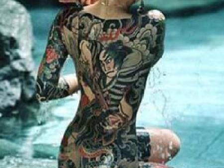 年轻时装酷就去做大连纹身,老了之后会变成啥样?