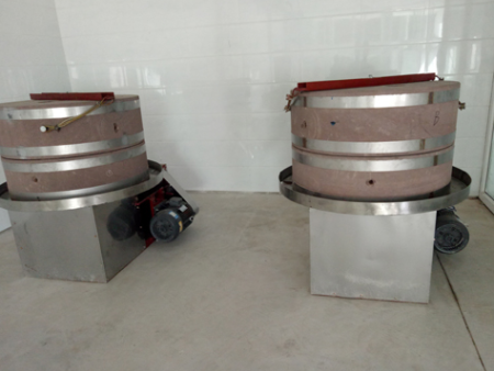 山东石磨面粉机产品特点及优势