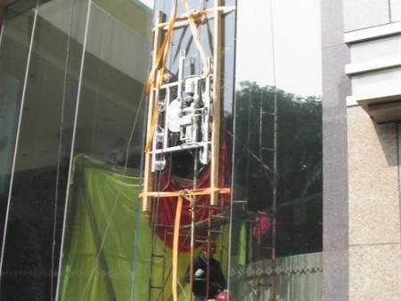 超长大板玻璃安装