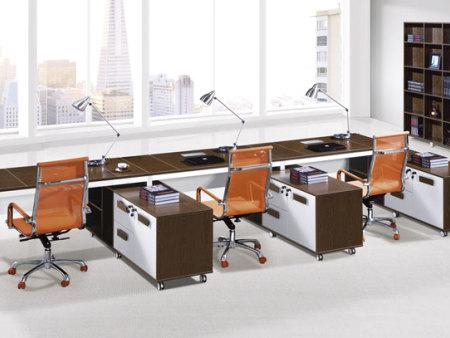 在为老板选择办公桌要注意哪些技巧?南京办公桌椅
