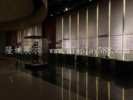 博物館展櫃廠家為您分析博物館展櫃玻璃的要求。