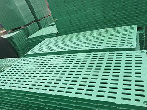 为什么选择BMC复合材料漏粪板,新乡市鸿润养殖设备有限公司告诉您