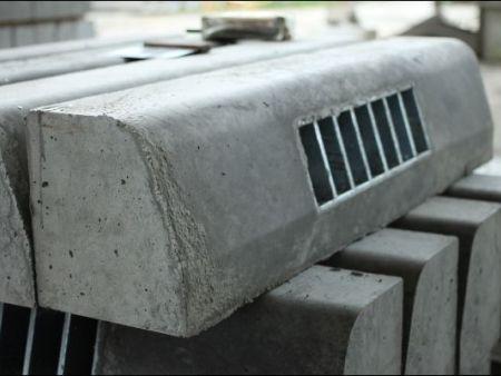 混凝土路边石