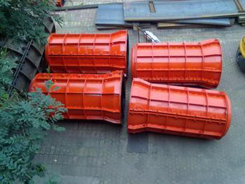 水泥排水管装备.jpg