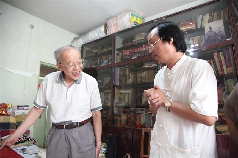 复件 (2) 北京大学中字文系教授段宝林和何永麟分析研究《金易宝》灵图.JPG