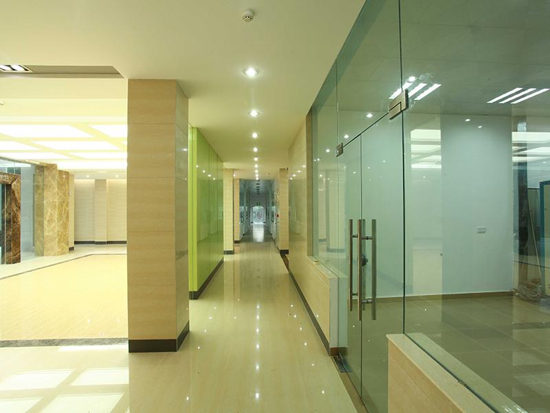 环境与植物保护研究所大堂走廊.jpg
