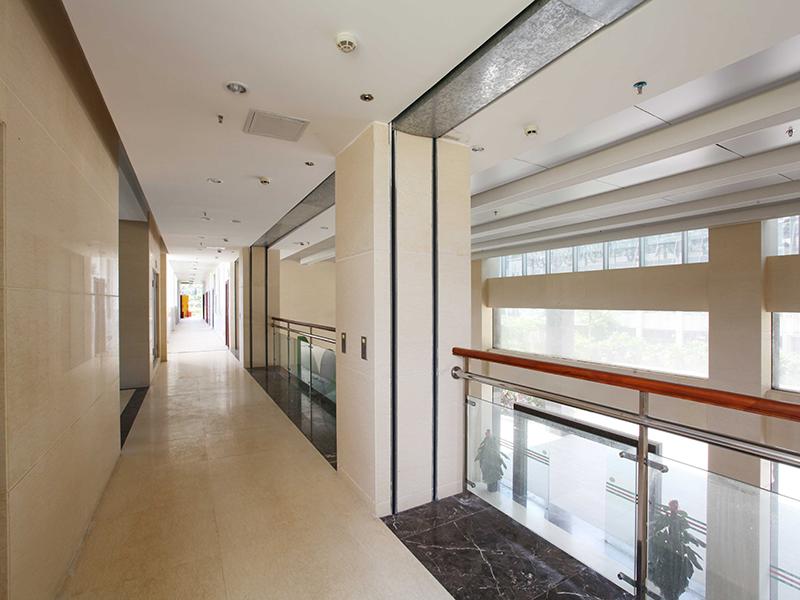 环境与植物保护研究所二楼走廊.jpg