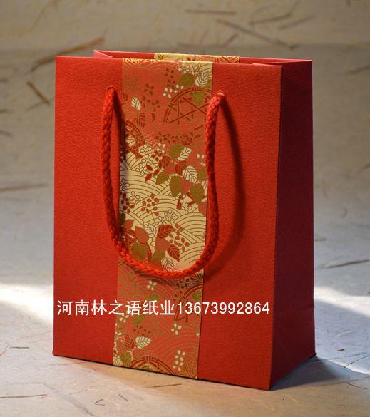 红色礼袋.jpg