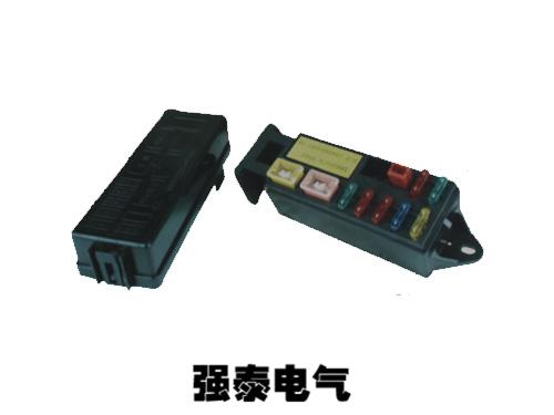 PD1300型熔斷器盒總成.jpg