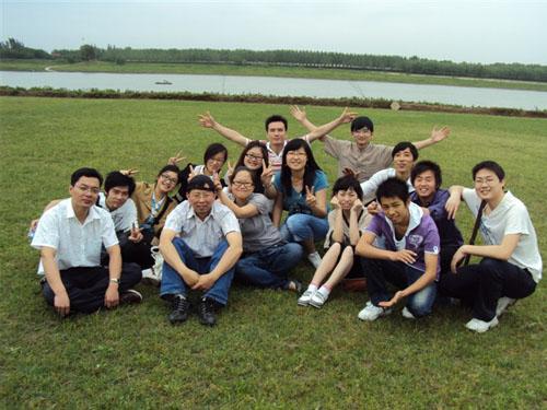 2010年春游留影500x375.jpg