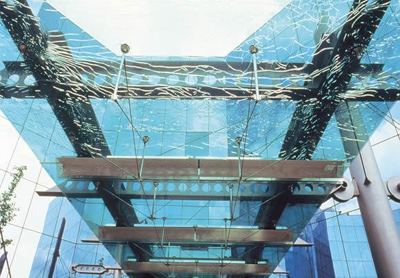钢化玻璃半钢化玻璃.jpg