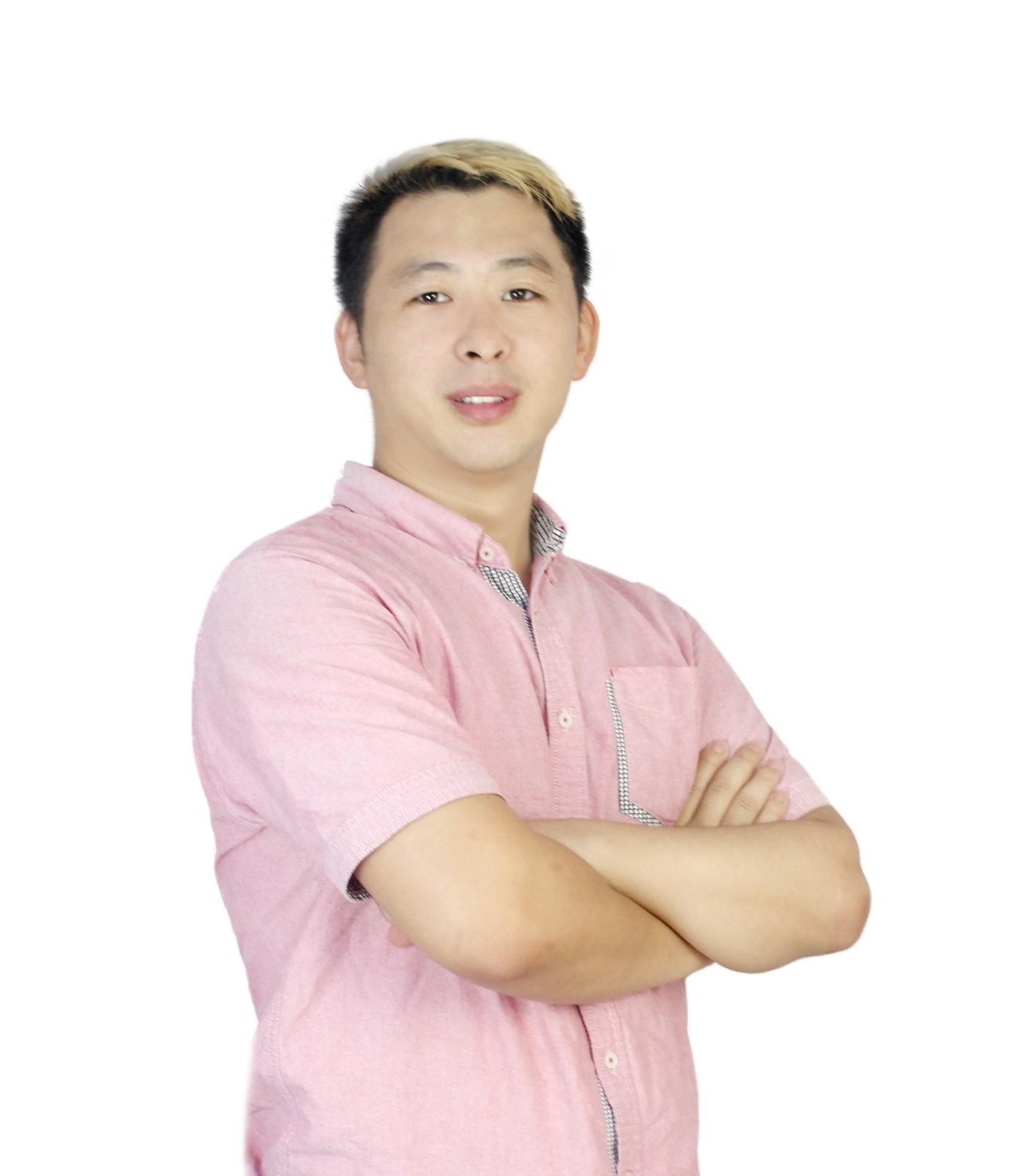 雲唯+CEO李宏洋.jpg