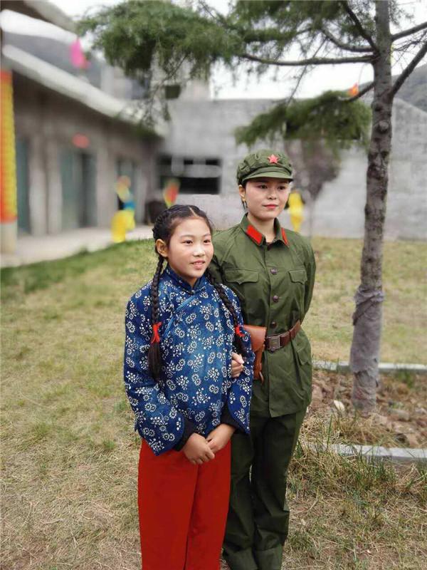 学员梁艺铭参与《三道岭战后站》电影拍摄.jpg