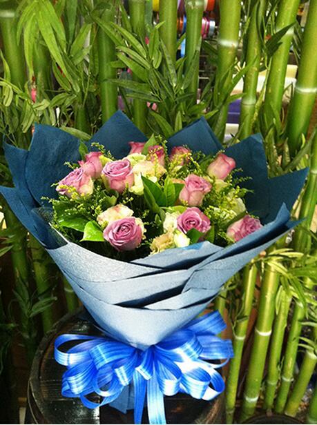 11支紫玫瑰.jpg