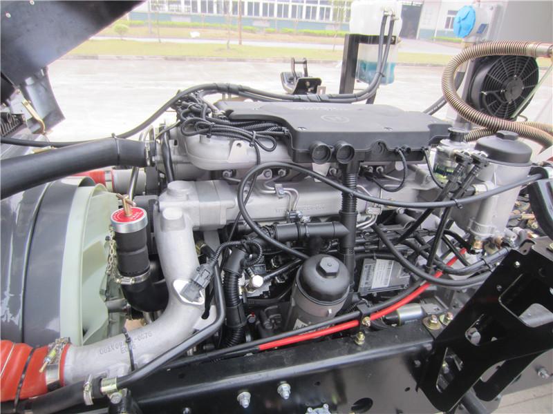 德国曼发动机01.jpg