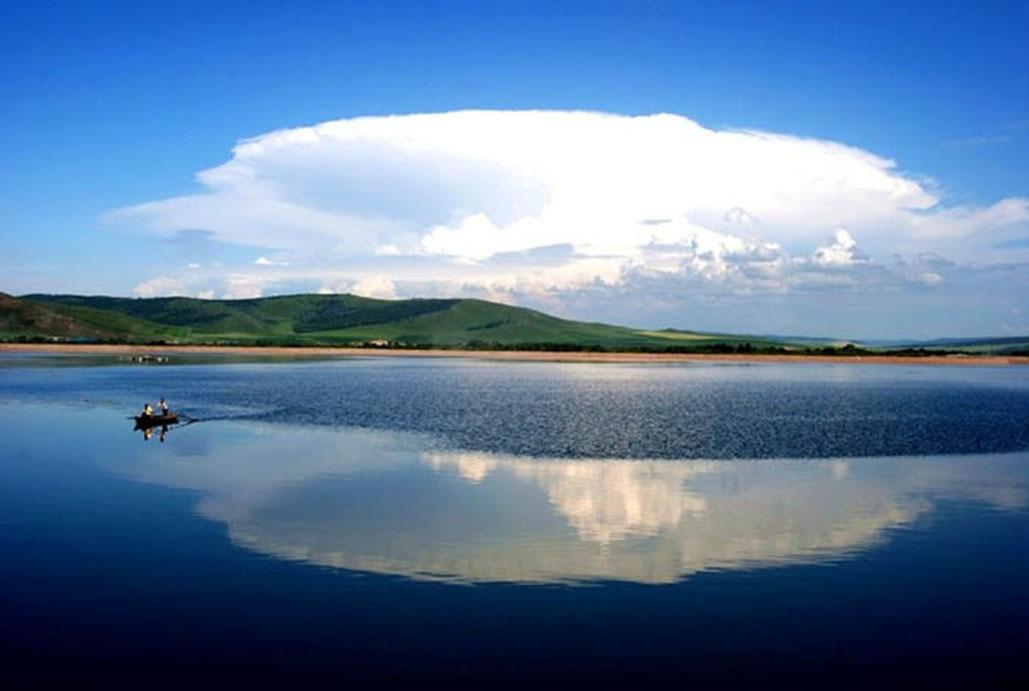 第 2 天  满洲里—呼伦贝尔草原景区—海拉尔(全程200公里)