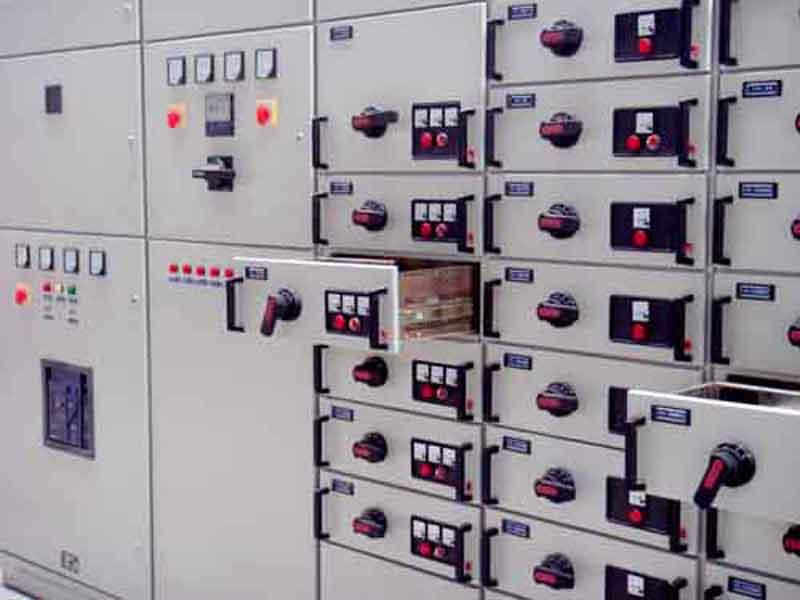 GCS低压抽出式开关柜-4.jpg