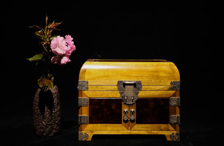 金絲楠首飾盒