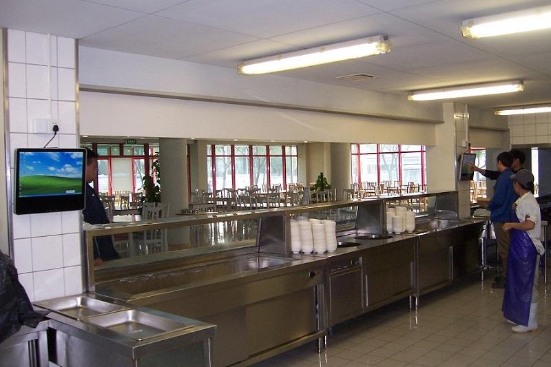 企業食堂用觸摸一體機.JPG
