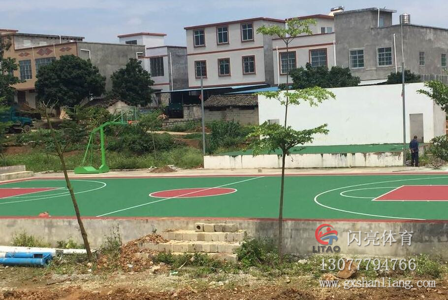 扶绥县中东镇淋和村丙烯酸篮球场 (1).jpg