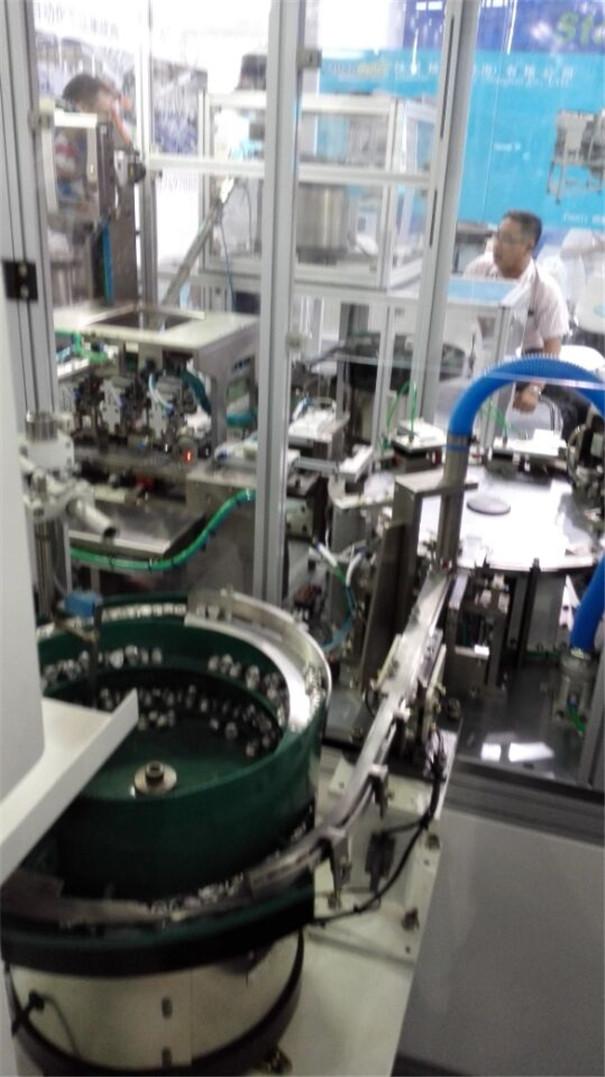 自动化组装设备-自动化组装设备生产线2.jpg