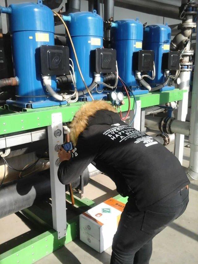 中央空调保养|工业冷水机维修的常见故障和地源热泵螺杆机组维护保养|冷水机维修的处理方法、维修价格、阿里巴巴推广|冷水机组维护保养-北京坤承博腾制冷设备苹果彩票