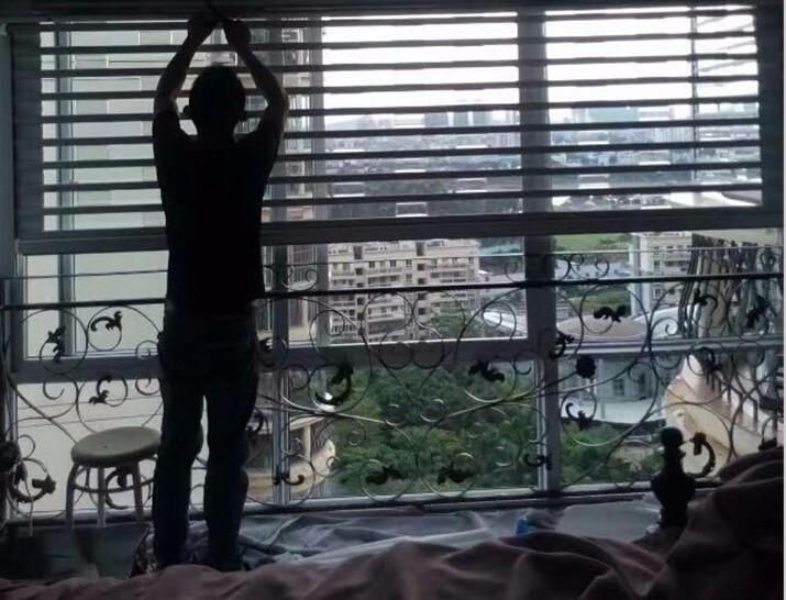 半島荔園臥式卷簾窗.jpg