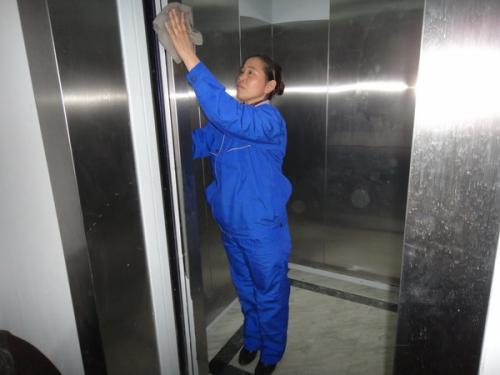 海洋之神官网清洗电梯要点