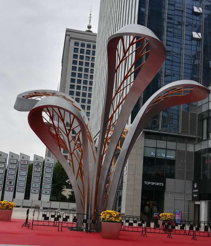 不锈钢景观雕塑.jpg