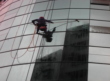 重庆外墙清洗的价格及其操作流程