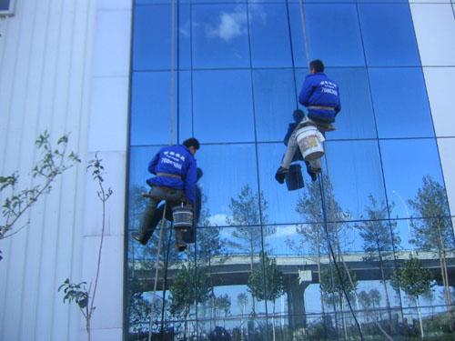 重庆公司如何进行外墙清洗