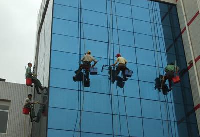 重庆外墙清洗的施工条件和安全操作流程