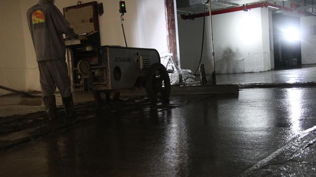 洋湖苑万平米地下停车场施工现场,看混凝土整平利器!|公司新闻-湖南三仁机械有限公司
