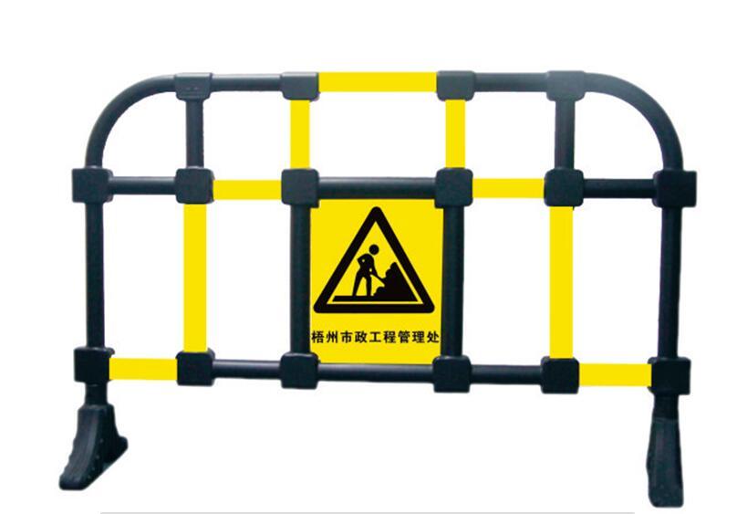 道路隔离栏,广西交通设施厂家 钢护栏;隔离栅-广西南宁市路宇交通科技有限公司