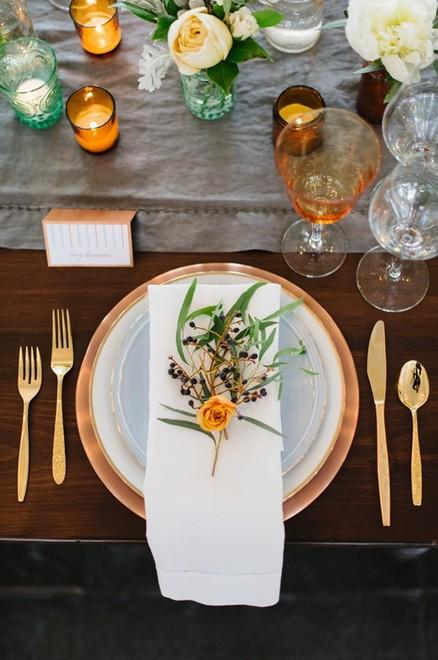 清新淡雅的餐具摆盘 让精致婚礼赞起来|行业动态-重庆唯梦婚庆礼仪策划服务机构