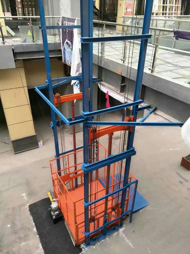 双缸导轨升降机|双杠液压货梯-济南风华升降机械有限公司