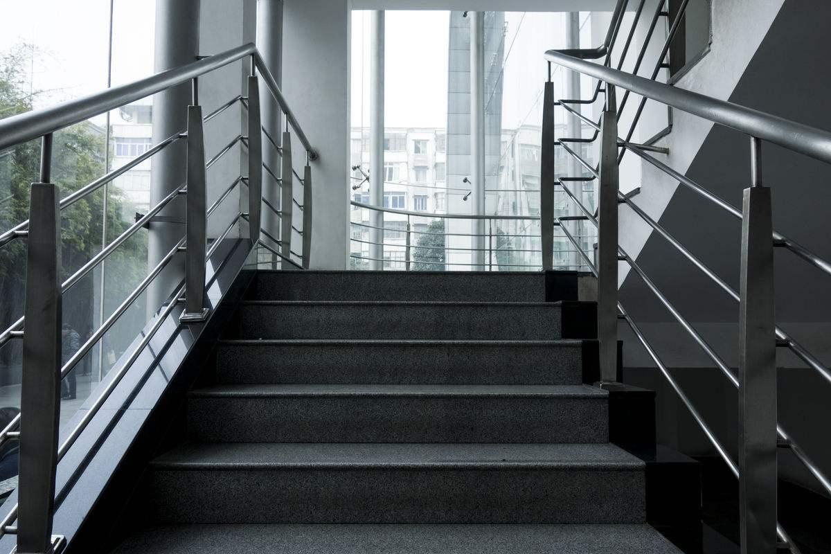 樓梯扶手.jpg