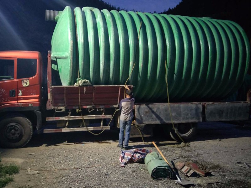 蘭州玻璃鋼化糞池.jpg