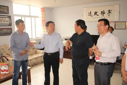 邯郸市副市长宋仁堂带领市残联、民政局、教育局、人社局等相关部门负责人,来我校对自闭症儿童进行了慰问。|爱诺动态-爱诺自闭症康复培训学校