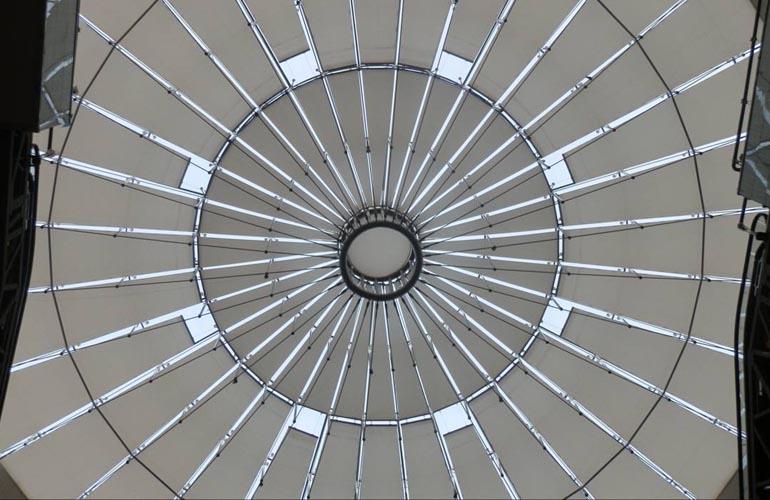 电动折叠式天棚帘 天棚帘系列-上海满飞智能窗饰有限公司