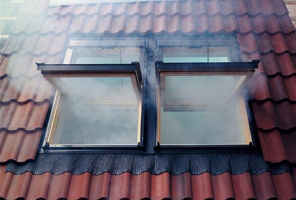 通風排煙窗.jpg